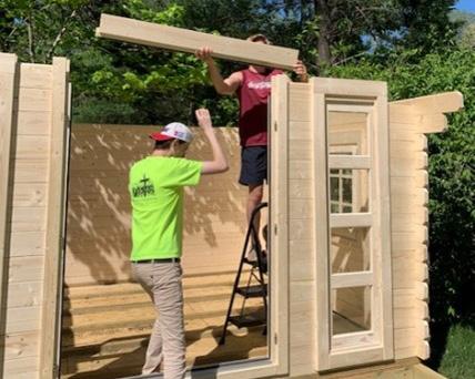 Finishing shed facade